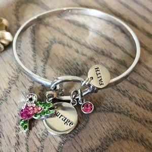Jewelry - Hummingbird charm bracelet